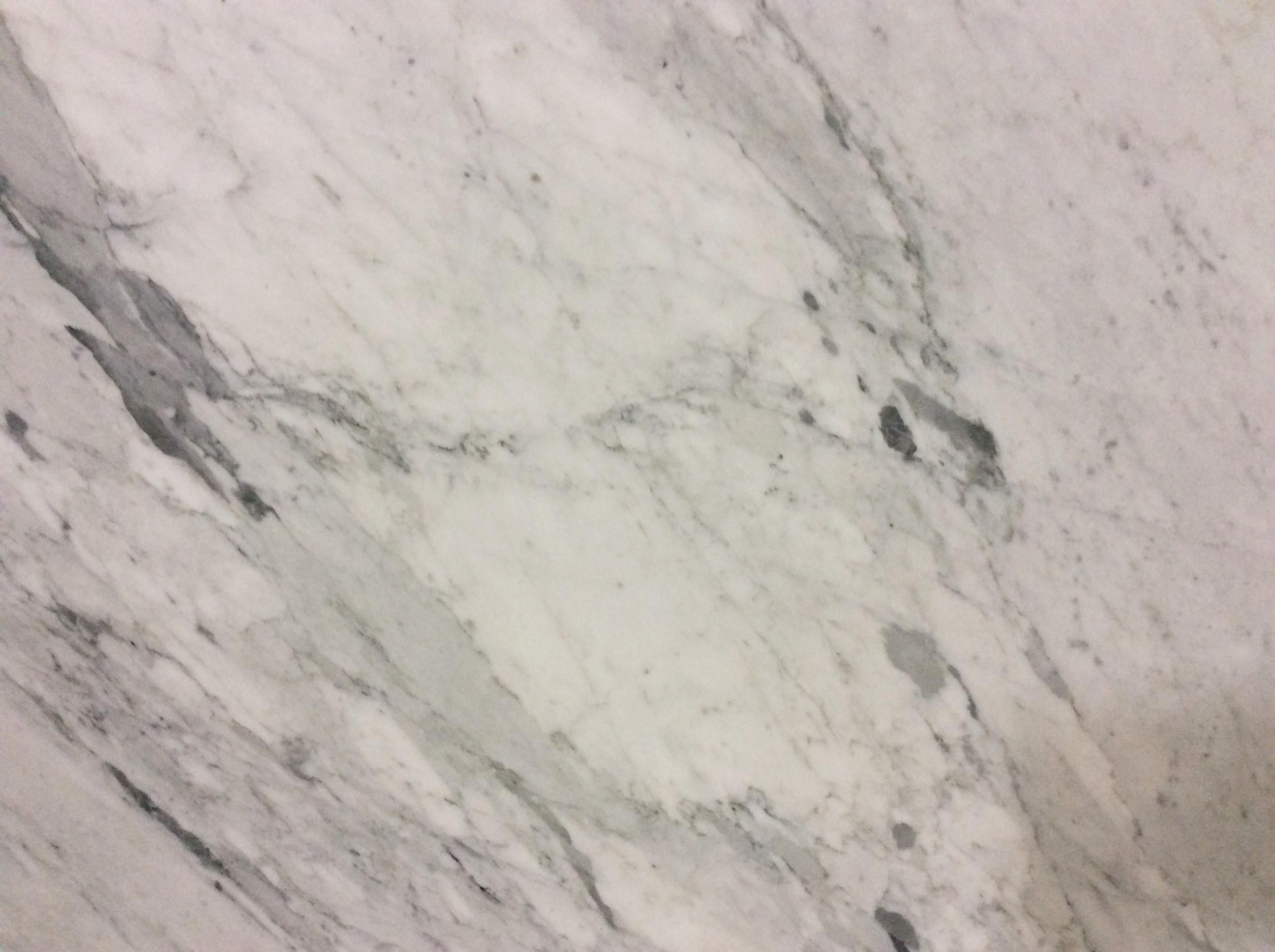 WHITE CARRARA HONED 3CM